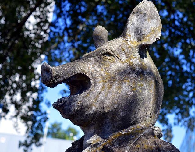 Schweinehund Statue